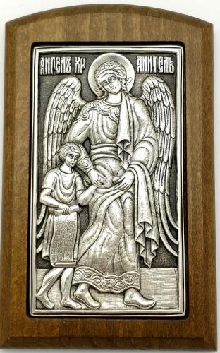 Ангел с младенцем